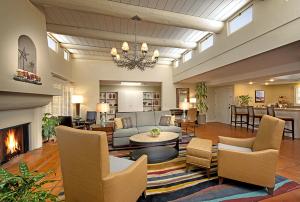 Interior 24-7 House